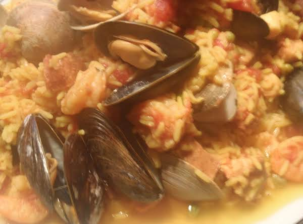 Quick And Easy Crockpot Paella With A Kick