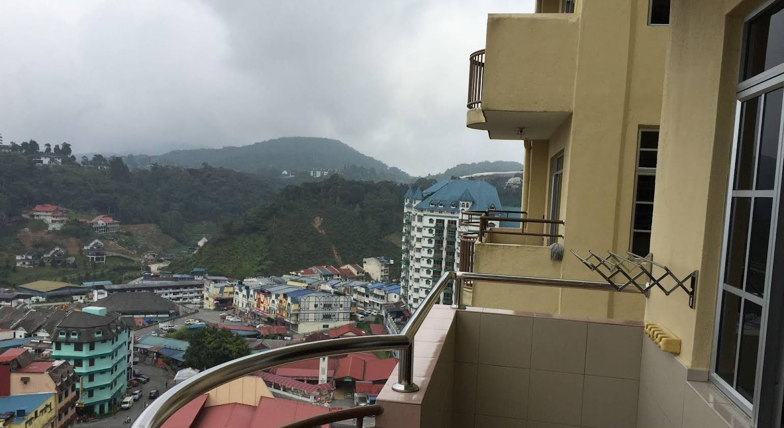 Hong Kong Apartment @ Crown Imperial Court