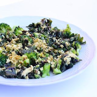 Garlicky Kale & Broccoli Eggie Scramble.