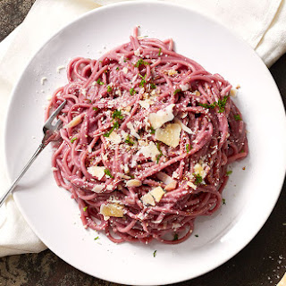 Red Wine Spaghetti with Creamy Garlic Parmesan Sauce