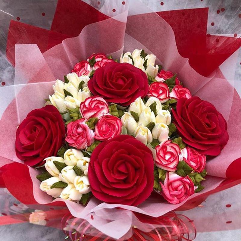 Ảnh có chứa cây, hoa, màu đỏ, bó hoa Mô tả được tạo tự động