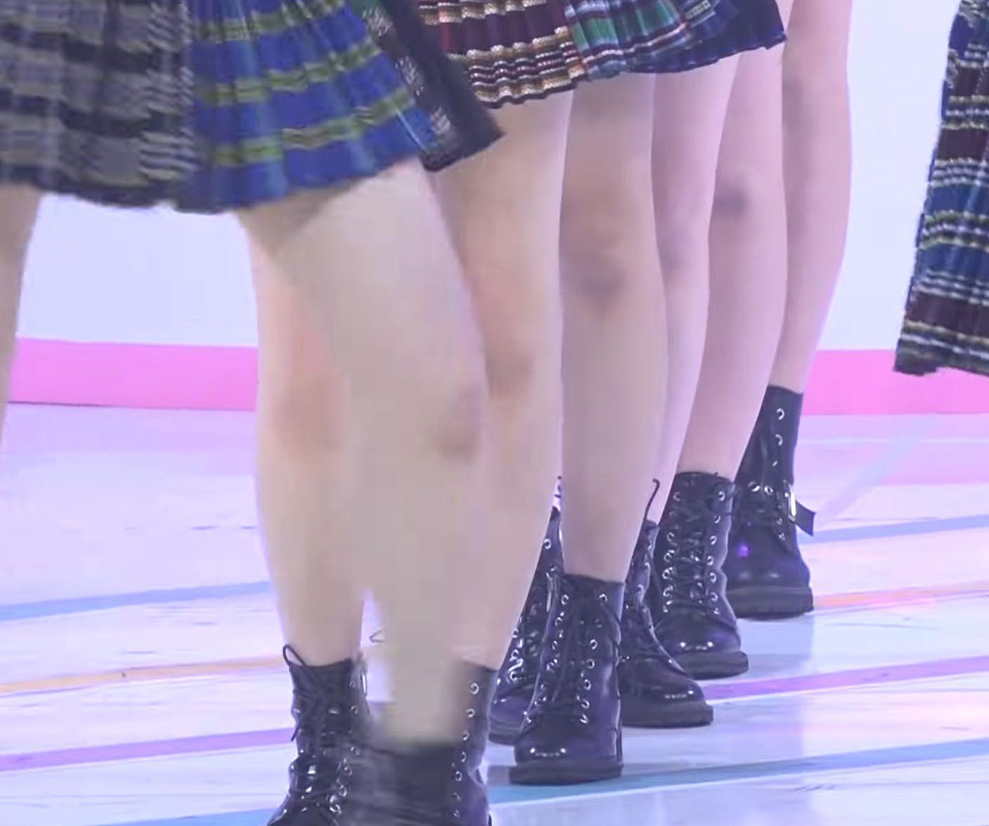 izone bruised knees 1