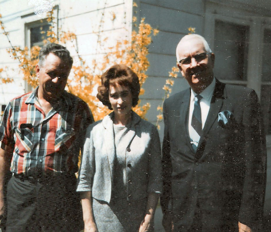 Bill and Ruth Sampson w pastor.jpg
