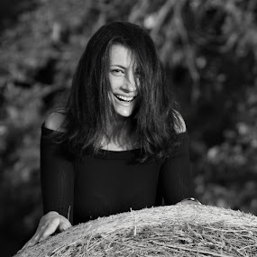 Smile by Slaven Bandur - Black & White Portraits & People ( hay, hair, natural, black and white, portrait, girl, sunny, trees, summer, meadow, smile )