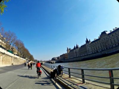 E-guide balades à vélo à Paris et en Ile de France par veloiledefrance.com - cyclotourisme Paris Ile de France