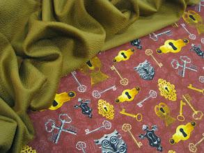 Photo: Ткань :Матовый атлас стрейч натуральный шелк ш.140см. цена 4000руб.Ткань :Кашемир ш.150см. цена 8000руб.