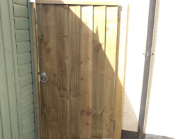 side view of custom build gate in devon | Paul Jackson Landscaping & Fencing