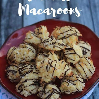 Coconut Macaroons {keto / low carb}.