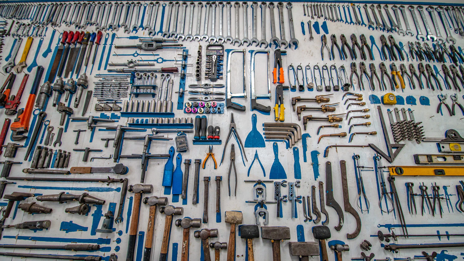 3 Essential Tools for Easy Home DIY Projects