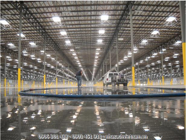 Vệ sinh sàn của nhà xưởng tại Bình Dương