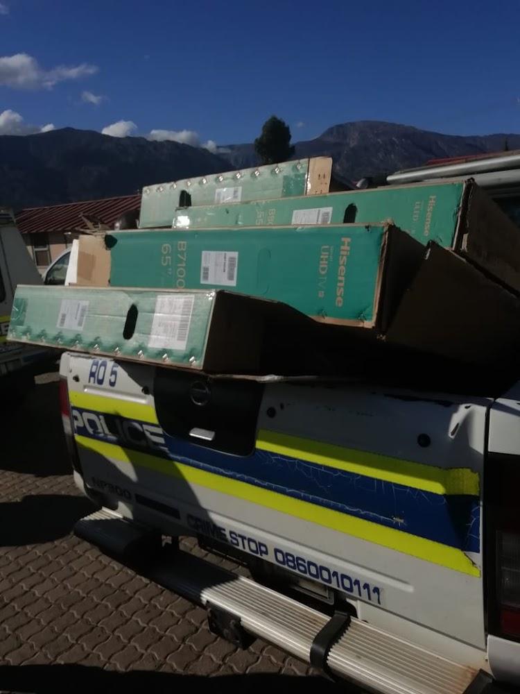 Nine suspects arrested for De Doorns looting, 53 TVs recovered - SowetanLIVE