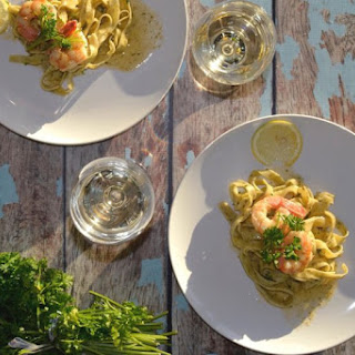Garlic White Wine Prawns and Fresh Homemade Linguine