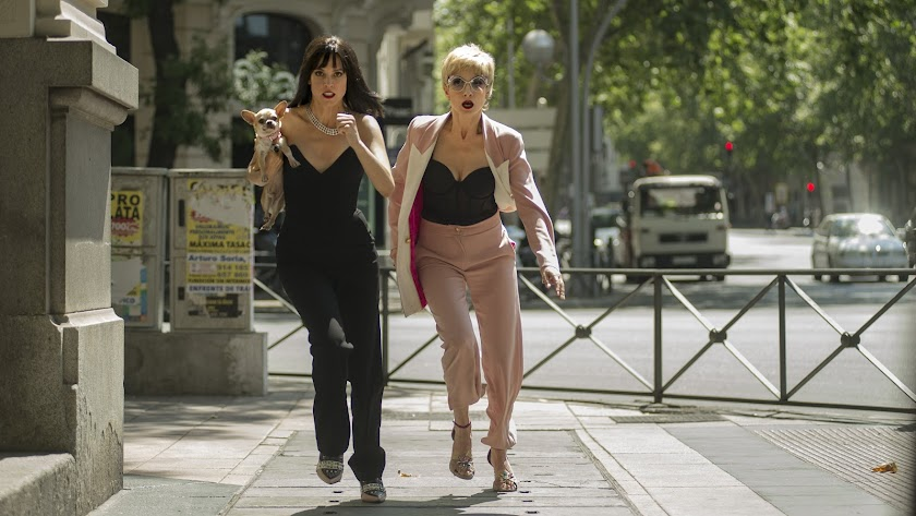 Maggie Civantos y Nawja Nimri en una imagen de 'Vis a vis: El Oasis'. (Foto: Virginia Martín Chico)
