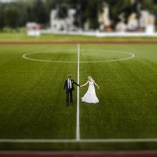Wedding photographer Leonid Burcev (llll). Photo of 10.12.2015