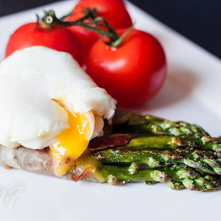Prosciutto Wrapped Asparagus with Poached Egg