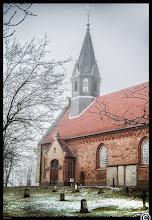 Photo: Die St. Vinzenz Dorfkirche zu Odenbüll wurde im 13. Jahrhundert errichtet (Außenansicht)