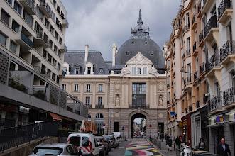 Photo: BRETANYA 2013. RENNES ( ROAZHON en bretó) : Porta a Rue Jules Simon, entrada a Place de la République.