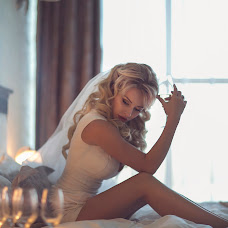 Wedding photographer Viktoriya Savinova (SAVINOVA). Photo of 04.10.2014
