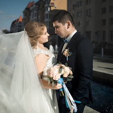 Wedding photographer Maksim Ponon (gleam). Photo of 23.10.2017