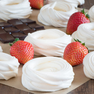 How to Make Meringue Nests.