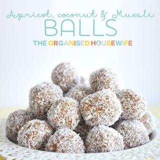 Apricot, Coconut and Muesli Balls