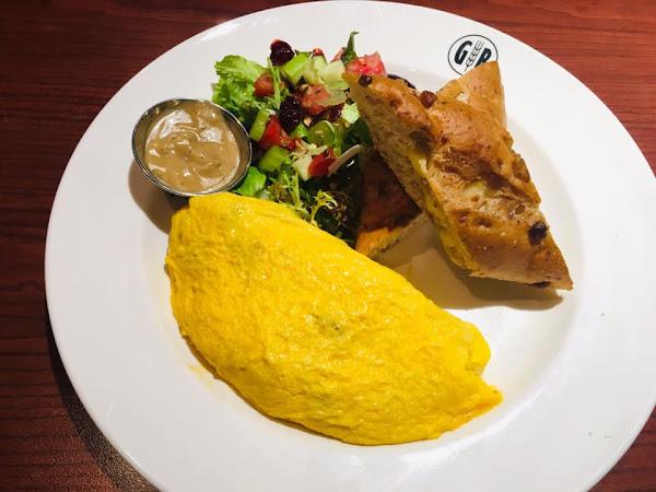GB鮮釀餐廳敦北店,早午餐好好吃,麵包也很棒,交通方便,適合聚餐的好地方