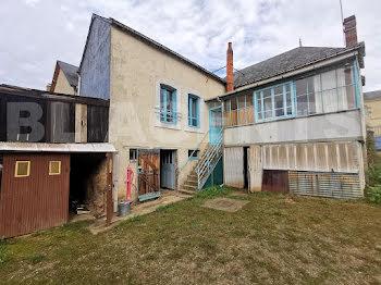 maison à Saint-Jean-d'Assé (72)