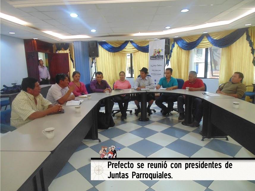 PREFECTO SE REUNIÓ CON PRESIDENTES DE JUNTAS PARROQUIALES.