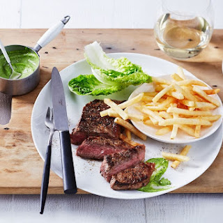 Steak And Chips With Bearnaise Mayonnaise.