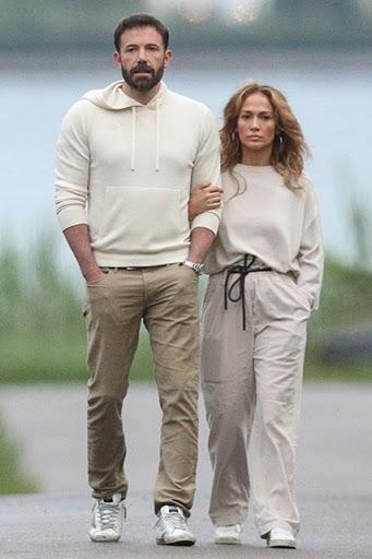 Forget Rihanna & Rocky, Bennifer Is Delivering God-Level Hamptons Couple Style