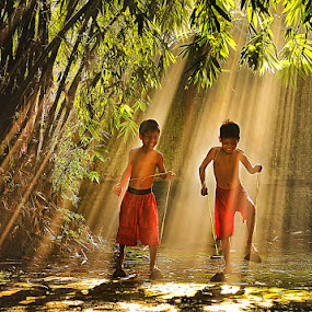 In The Light by Pimpin Nagawan - Babies & Children Children Candids ( kids playing in summer, human interest )