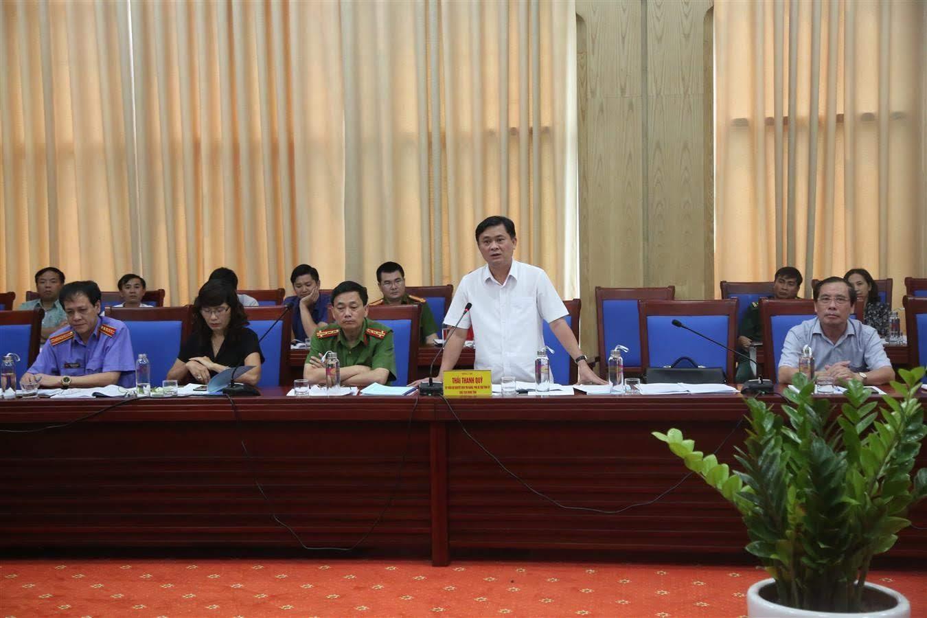 Đồng chí Thái Thanh Quý - Ủy viên dự khuyết Ban Chấp hành Trung ương Đảng, Phó Bí thư Tỉnh ủy, Chủ tịch UBND tỉnh kiến nghị một số đề xuất với đoàn công tác của Trung ương.