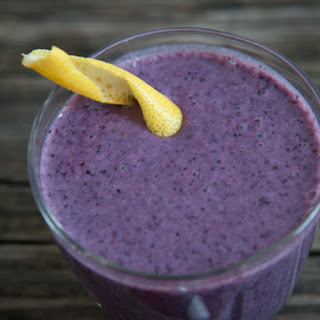 The Maine Squeeze (Blueberry, Oat, and Ginger Smoothie)