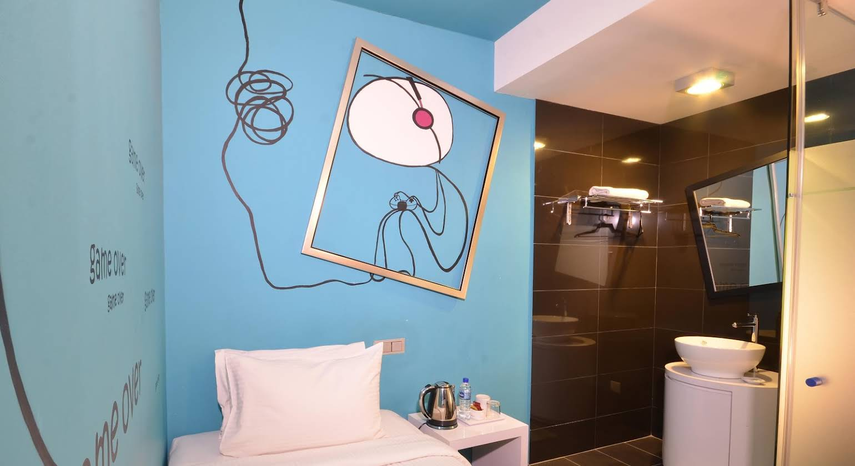 Zoom Inn Boutique Hotel