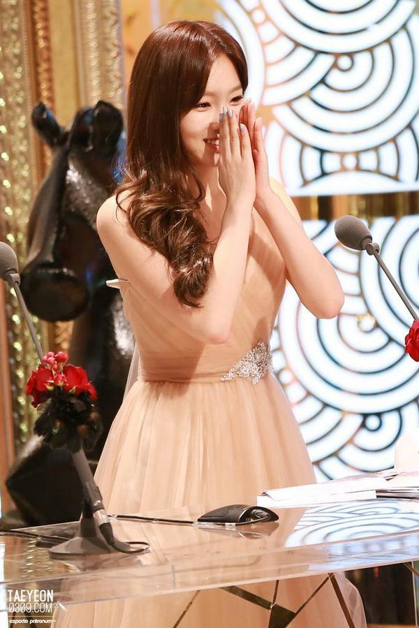 taeyeon gown 54