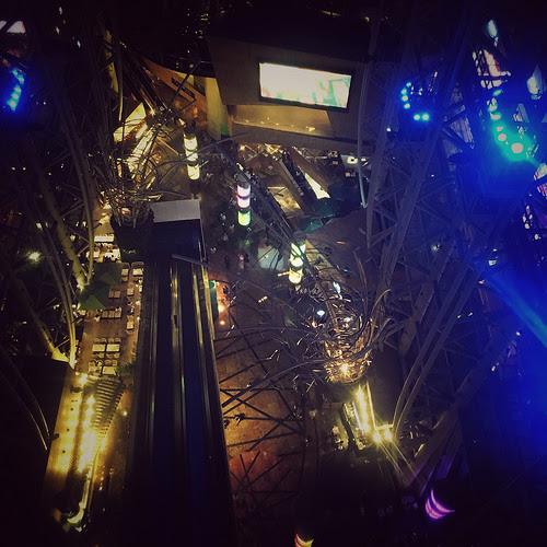 Hong Kong, Mong Kok, Escalator, Reversed, backwards,  香港, 扶梯, 突然, 反向, 下行, 旺角