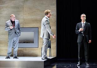 """Photo: WIEN/ Theater in der Josefstadt: """"VOR SONNENUNTERGANG"""" von Gerhard Hauptmann. Premiere 3.9.2015. Siegfried Walther, Raphael von Bargen, Matthias Franz Stein . Copyright: Barbara Zeininger"""