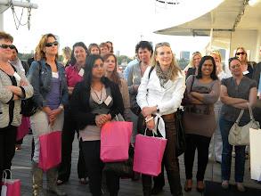 Photo: Bekendmaking prijswinnaars Secretaresse Goeidag 19 april 2011_in spanning wacht men af...