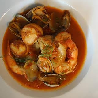 Zuppa di Pesce (Italian Fish & Seafood Stew).