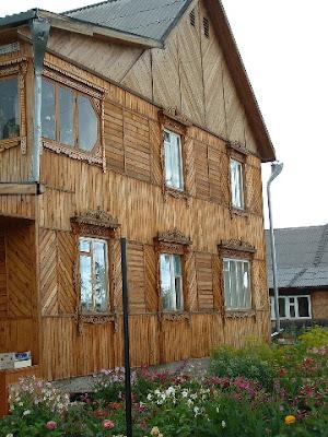 Unser Ziel war erreicht. Eine Holzvilla die uns auf Anhieb gefiel.