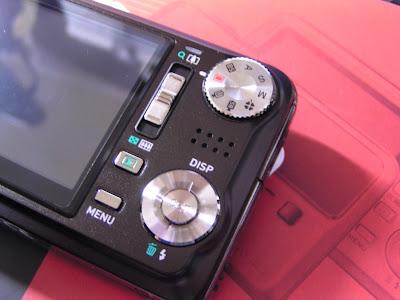 EXILIM Hi-ZOOM EX-V7 裏面の画像