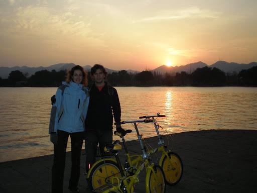 Puesta de sol en Lago del Oeste