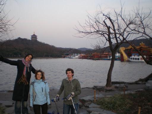 Pagodas y barcos en Hangzhou