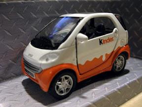 """[好物]健達推出的""""健達塗裝版SMART""""限量版小汽車!"""