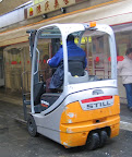 Fork lift for bai-tsai transport