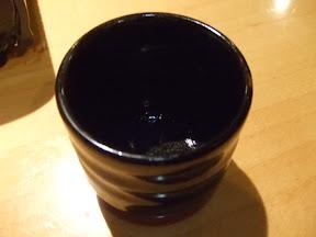 蒸し料理に使っていたおだしを湯のみで。(飲んだあと^^\x3B)