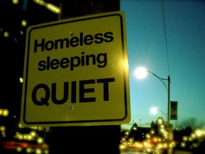 Homelessにやさしい看板