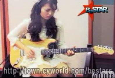 クリーンなロックを奏でるギター姉さん