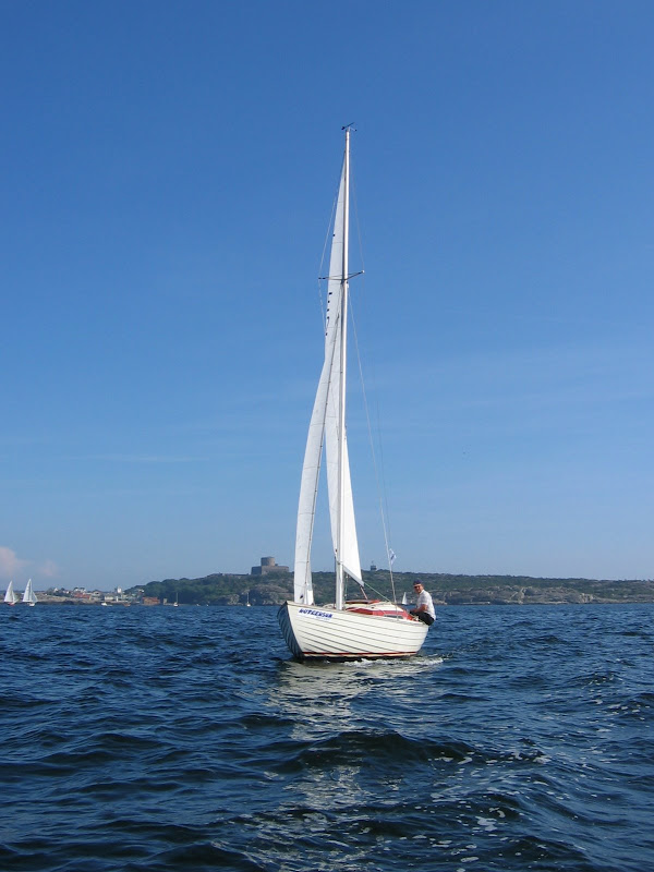 bild: Folkbåt på Marstrandsfjorden