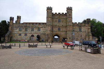 Entrance gate Battle Abbey